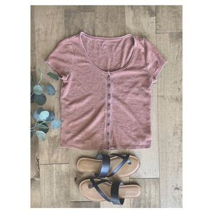 American Eagle button up t-shirt